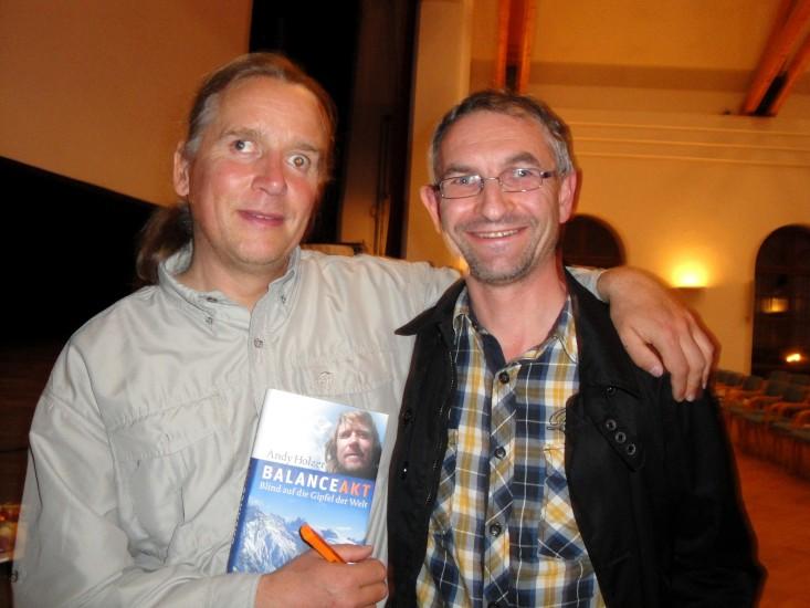 Mit Andy Holzer zu reden und ein wenig von seiner Welt zu erfahren war etwas Besonderes für mich. Sein Buch muss ich erst lesen.
