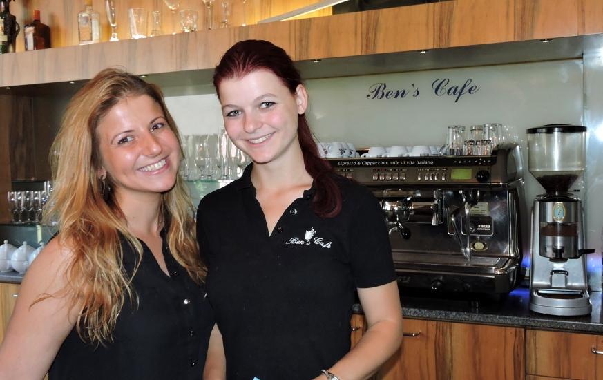 Bens Cafe mit Serap und Maria