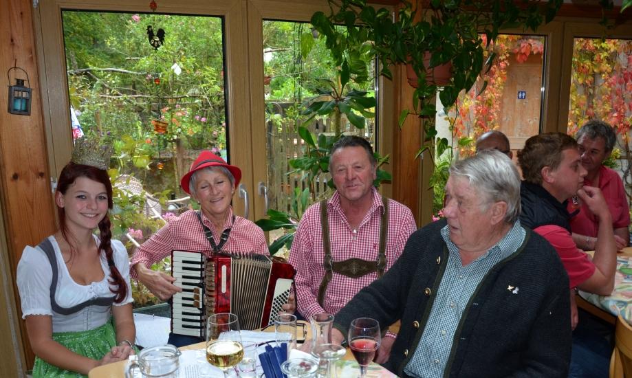 Wirtshausmusik durch Fam. Huber Srauchmühle aus Berndorf und Seppn Berg aus Seeham