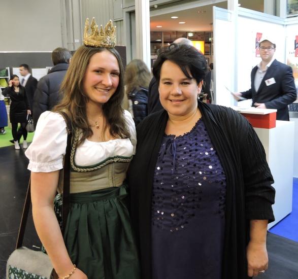 Biofach Nürnberg Heukönigin Lorena mit Sharon Dijksma