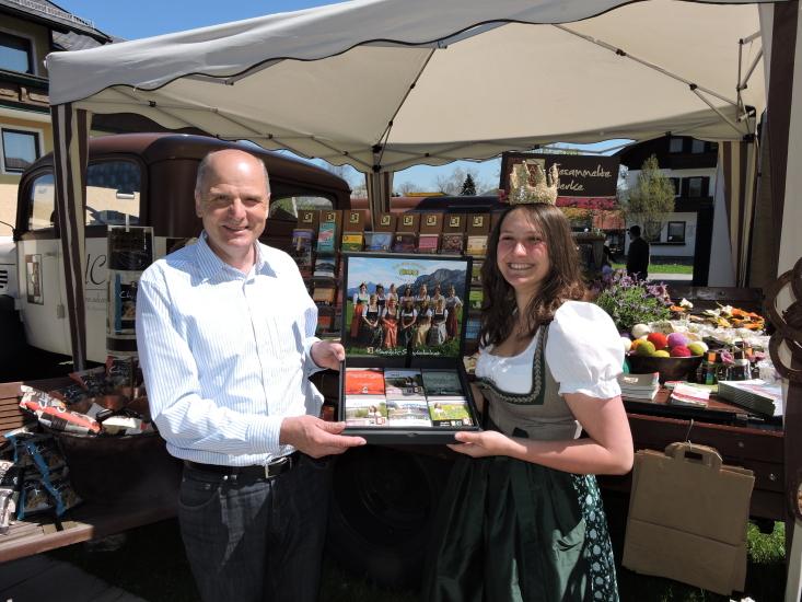 Bürgermeister von Seeham Peter Altendorfer mit Lorena