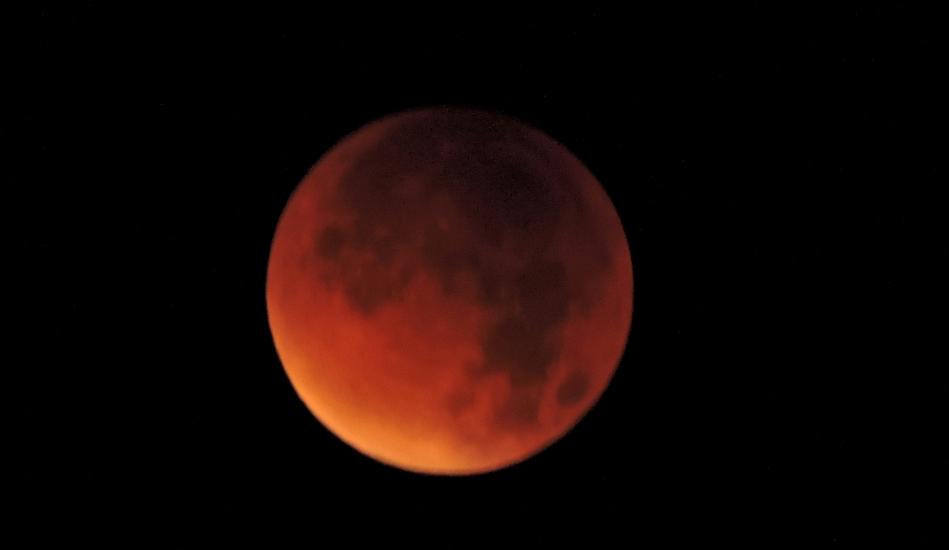 Supervollmond und Mondfinsternis vom Gaisberg aus fotografiert am 28.09.2015