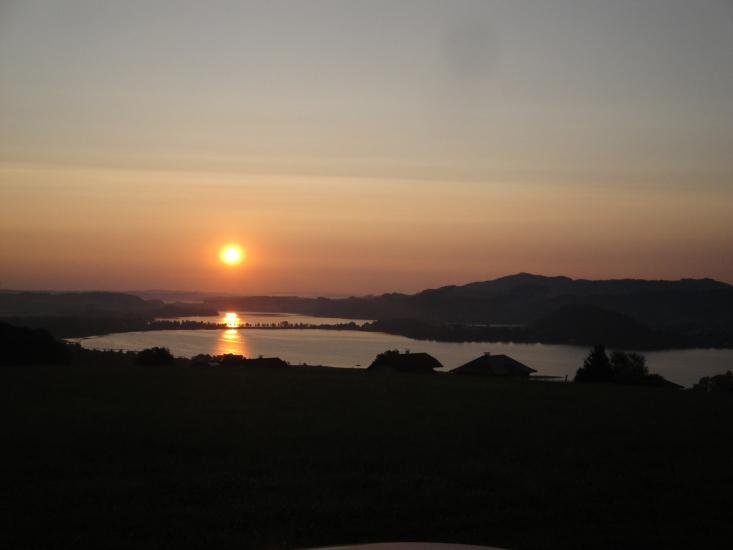 Sonne geht auf in der Bio-Heu-Region
