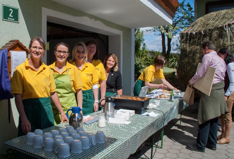 großer Andrang herrschte bei Kaffee und den gebackenen Topfenmäusen der Bäuerinnen