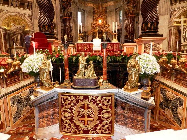 Abgang zum Petrusgrab im Petersdom