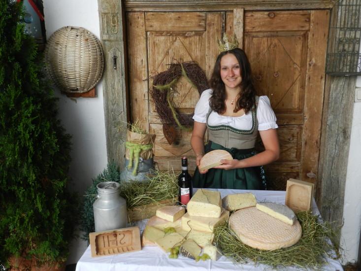 Bio-Heu-Region, Königin Lorena und ihre Produkte, gemischt mit viel Lebensfreude und der Sonne im Herzen