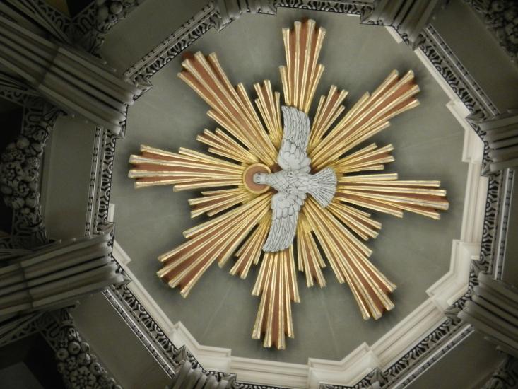 Friedenstaube im Salzburger Dom