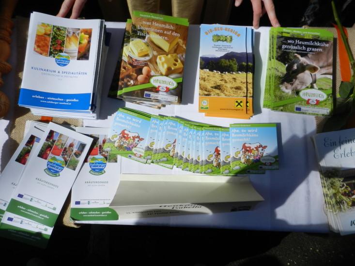 Werbematerial, Infos, Bio Heumilchstraße, Rezepthefte und Kinderbücher