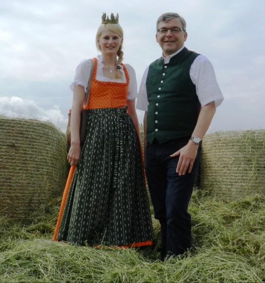 Heukönigin 2013-2014 Isabella mit Landesrat Sepp Schwaiger