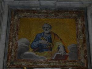 Petrus im Petersdom