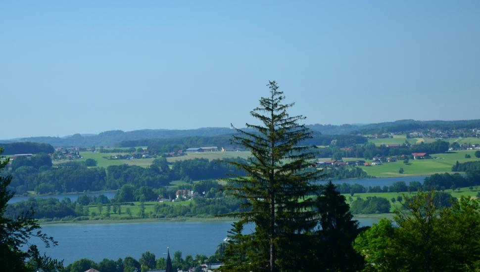Die 3 Seen einmal von einem anderen Blickwinkel. Fotografiert vom Buchberg in Mattsee am 05.06..2015 um 16:25