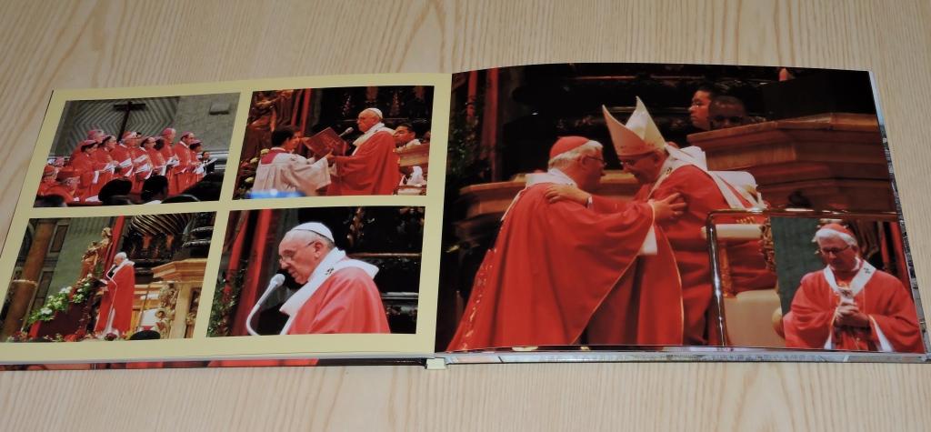 hier der Höhepunkt für unseren Erzbischof, als ihm Papst Franziskus das Pallium überreicht und ich durfte dies alles fotografieren