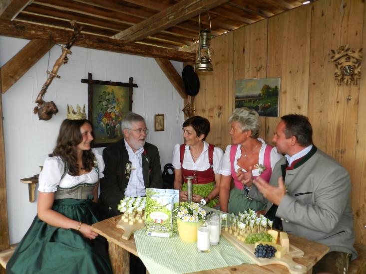 Heukönigin Lorena beim Erntedankfest in Wien 2014 Foto Helmut Mühlbacher (161)
