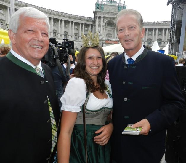Heukönigin Lorena beim Erntedankfest in Wien 2014 Foto Helmut Mühlbacher (71)
