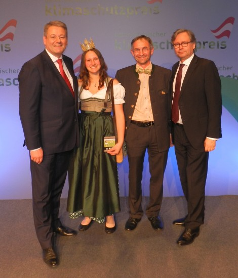Heukönigin Lorena mit BM Andrä Rupprechter und Alexander Wrabetz vom ORF