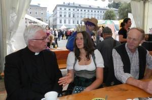 Heukönigin Lorena mit Erzbischof Franz Lackner 1