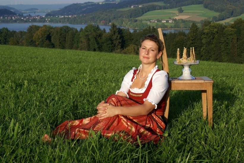 Königin Christine hat von 2008 bis 2009 die Bio-Heu-Region repräsentiert, fotografiert in Seeham von ihrem Vater Hans Steiner