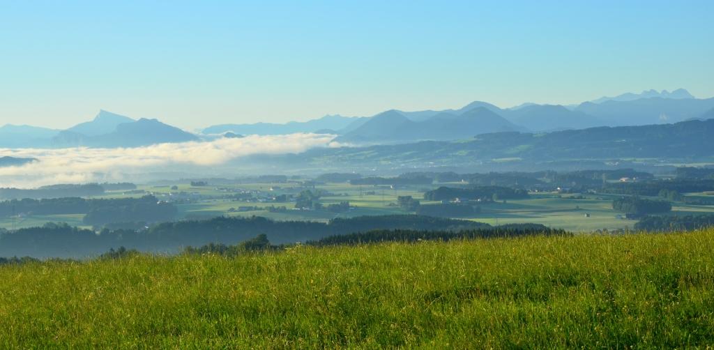 Blick von der Kaiserbuche bis zum Schafberg und Richtung Salzburg