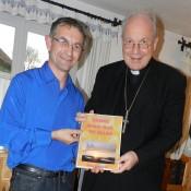 Übergabe meines E-Books an Kardinal Schönborn bei uns zu Hause