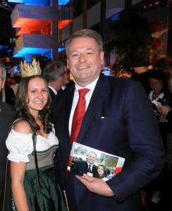 Lorena mit BM Andrä Rupprechter
