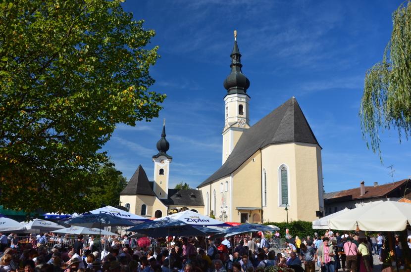 Der Dorfplatz von Berndorf, tatsächlich einer der schönsten Dorfplätze die ich kenne