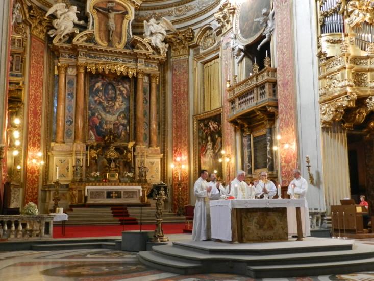 """Hochfest """"Heiligstes Herz Jesu"""" in der Kirche Santa Maria in Vallicella mit dem Grab des Hl. Philipp Neri)"""