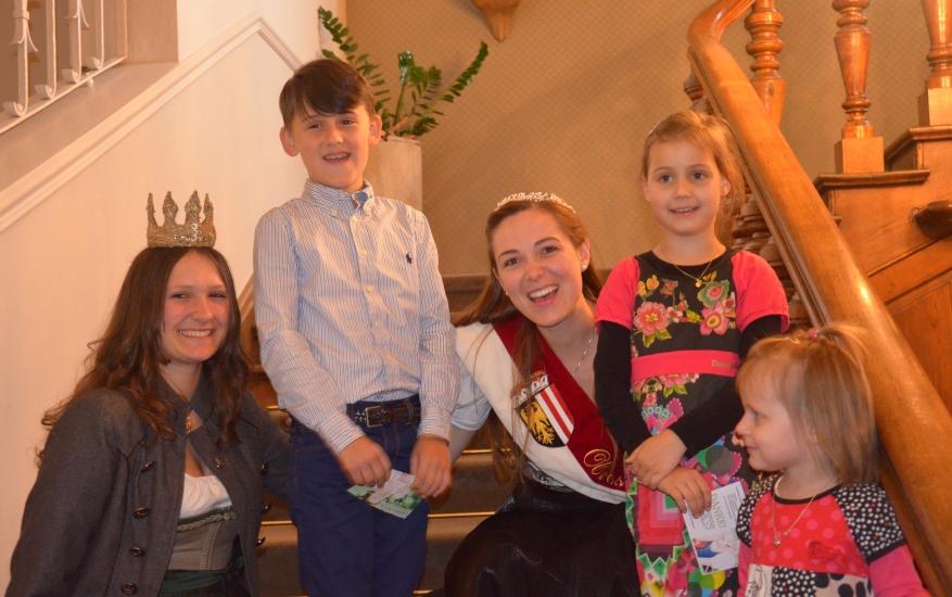 Echt eine Freude zu sehen, wie herzig und liebevoll sich Lorena und Ingrid mit den Kindern unterhalten