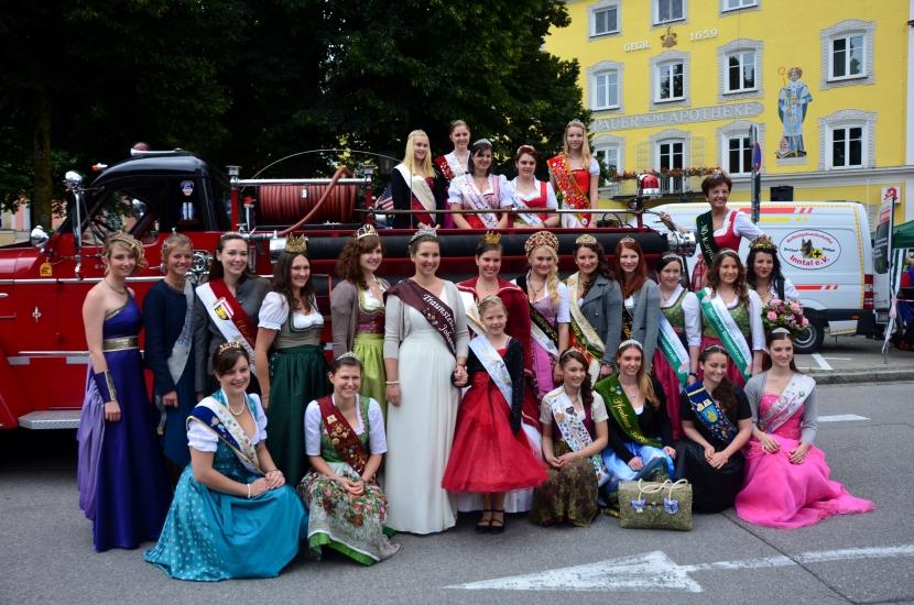Gruppenfoto mit den anderen Königinnen aus Deutschland und Österreich