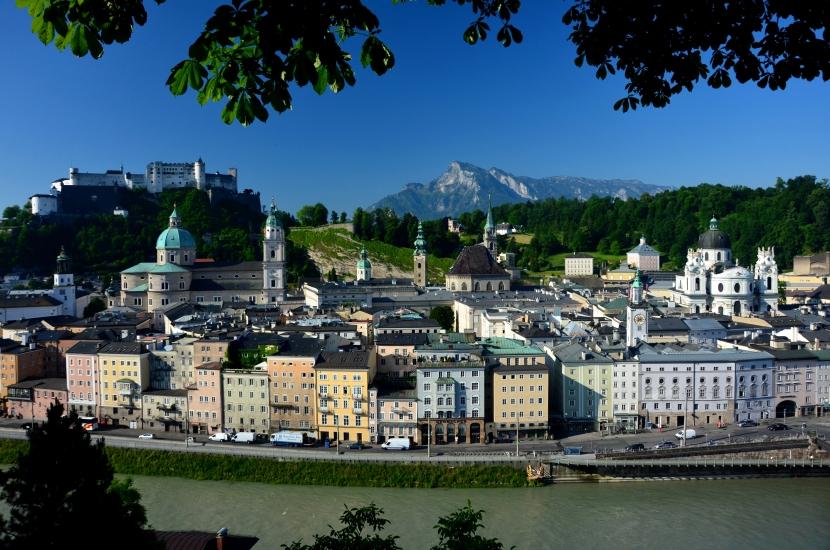 Die Stadt Salzburg vom Kapuzinerberg aus gesehen