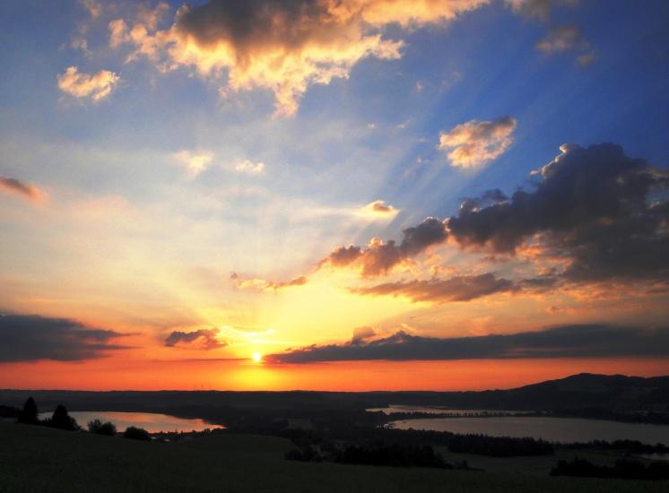 Sonnenaufgang in der Bio-Heu-Region