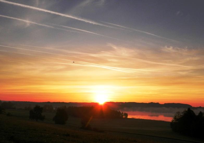 Sonnenaufgang am Grabensee, aufgenommen am 11.05.2015