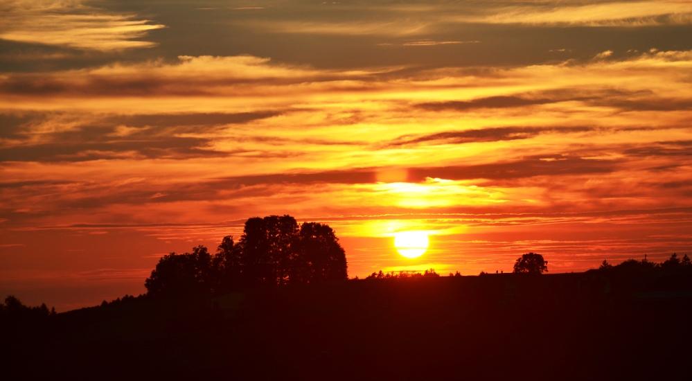 Sonnenuntergang in Gebertsham am 02.06.2015 um 19.45 Uhr