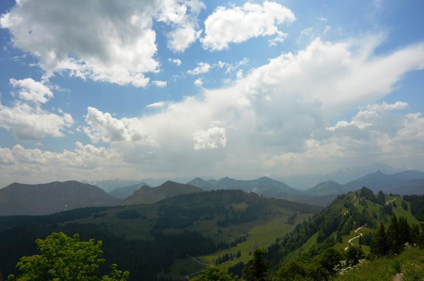 aufziehen der ersten Gewitterwolken am Zwölferhorn in St.Gilgen